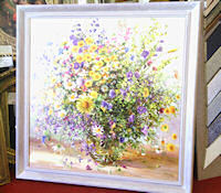 This Frame complements the Painting perfectly